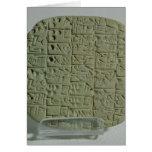 Tableta con la escritura cuneiforme tarjeta