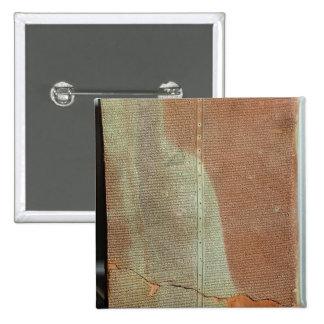 Tableta con la historia de rey Sargon II Pin Cuadrado
