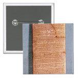 Tableta que relaciona los sacrificios del ritual pin cuadrada 5 cm