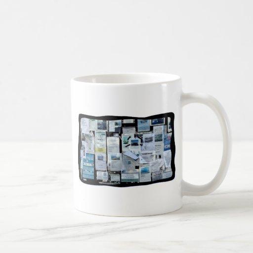 Tablón de anuncios tazas de café