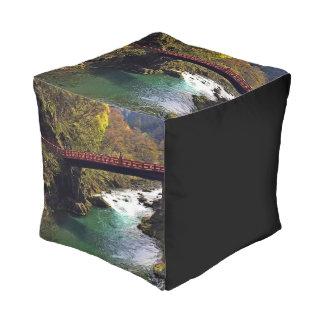 Taburete cubicado del parque nacional de Nikko Puff Cuadrado