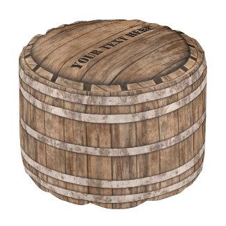 Taburete de madera viejo del barril con el texto puf redondo