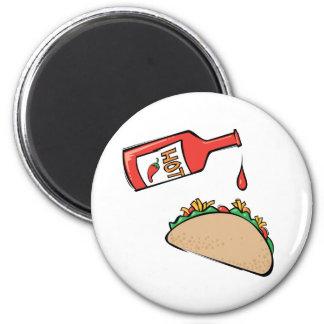 Taco y salsa caliente imán redondo 5 cm