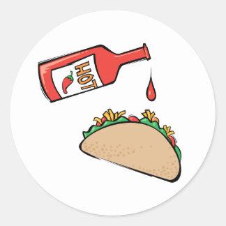 Taco y salsa caliente pegatina redonda