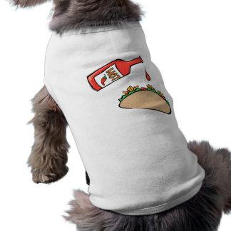 Taco y salsa caliente playera sin mangas para perro