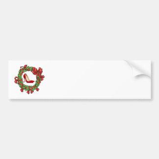 Tacones altos guirnalda rojos del navidad etiqueta de parachoque