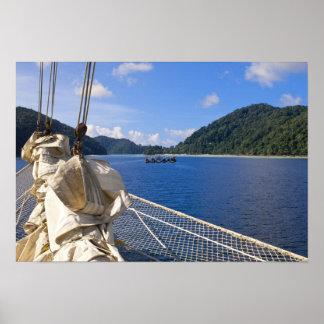Tailandia, mar de Andaman. Nave de podadoras de Fy Póster
