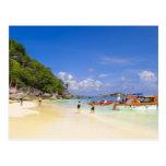 Tailandia, mar de Andaman. Pasajeros onshore en Postales