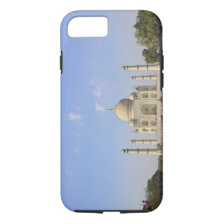 Taj Mahal, a mausoleum located in Agra, India, iPhone 8/7 Case