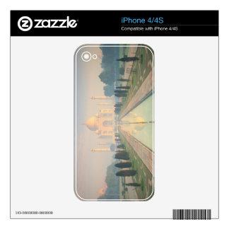 Taj Mahal, Agra, India 2 Skins For The iPhone 4S
