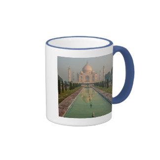 Taj Mahal, Agra, Uttar Pradesh, India Mugs