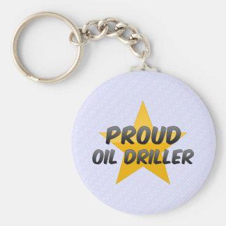 Taladradora orgullosa del aceite llavero