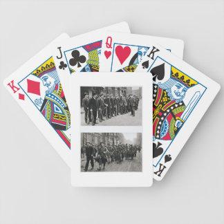 Taladro del rifle del revolucionario (superior) de cartas de juego