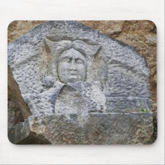 Talla antigua de la piedra tapetes de raton