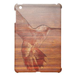 Talla de madera del colibrí