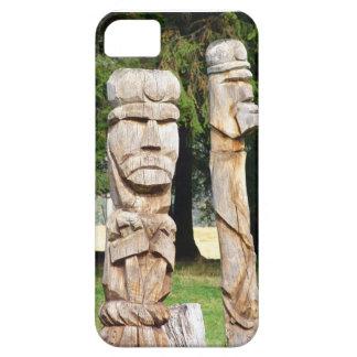 Talla de madera tradicional rumana iPhone 5 protectores