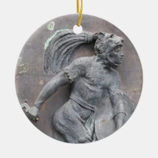 Talla de piedra del guerrero azteca adorno navideño redondo de cerámica