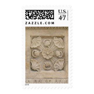 Talla floral de la piedra timbre postal