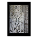 Tallas en el templo Rajasthán la India de Ranakpur Posters