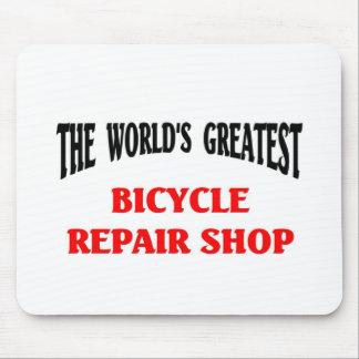 Taller de reparaciones de la bicicleta más grande  alfombrillas de ratón