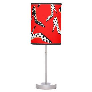 Talones rojos lámpara de escritorio