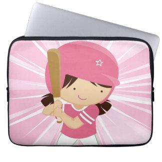 Talud del chica del softball en rosa y blanco funda computadora
