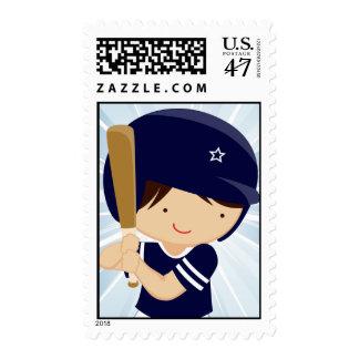 Talud del muchacho del béisbol en azul y blanco estampillas