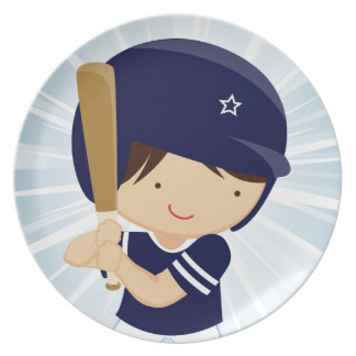 Talud del muchacho del béisbol en azul y blanco plato