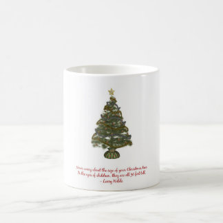 Tamaño de un árbol de navidad taza clásica