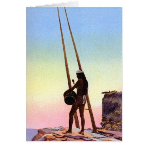Tambor del nativo americano en puesta del sol tarjeton