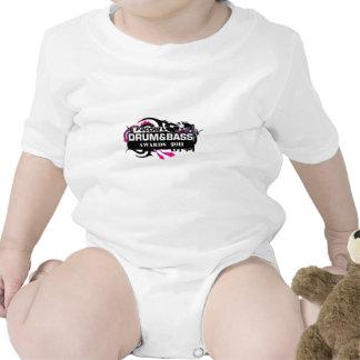 Tambor y bajo trajes de bebé