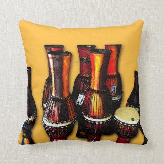 Tambores africanos almohadas
