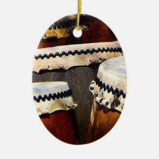 Tambores japoneses adorno navideño ovalado de cerámica