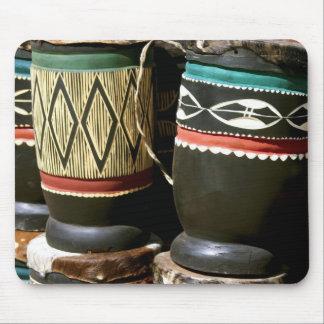 Tambores tallados mano, Livingston, Zambia Alfombrillas De Ratones
