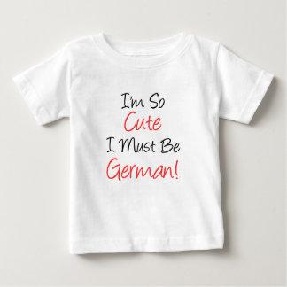 Tan lindo debe ser alemán camisas
