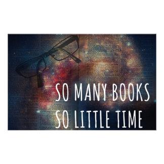 Tan muchos libros tan poca hora papelería personalizada