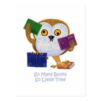 Tan muchos libros tan poca hora tarjeta postal