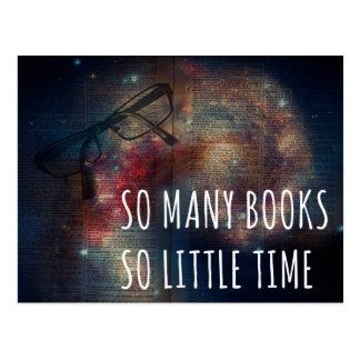 Tan muchos libros tan poca hora tarjetas postales