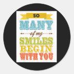 Tan muchos Sonrisa-Comienzan con usted Etiquetas Redondas