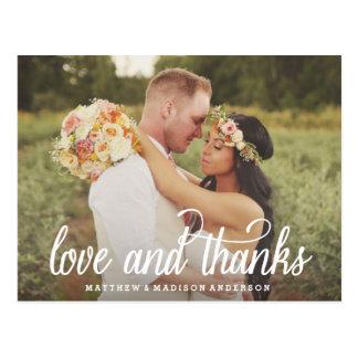 Tanto el amor el | que se casa le agradece postal