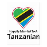 Tanzano feliz casado postales