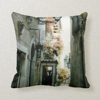 Taormina Throw Pillows
