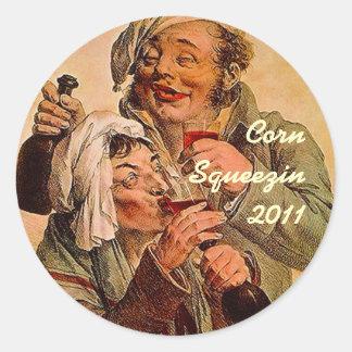 tapa de enlatado casera de Squeezin del maíz lindo Pegatina Redonda