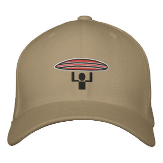 Tapa de la travesía de la persona que practica sur gorra de béisbol bordada