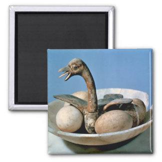 Tapa de un tarro del alabastro adornado con un páj imán cuadrado