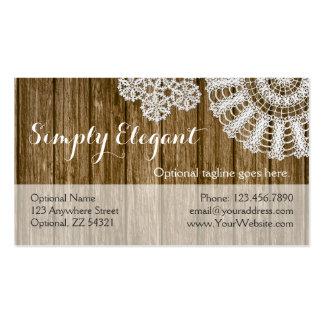 Tapetitos del ganchillo en la madera rústica - tarjetas de visita