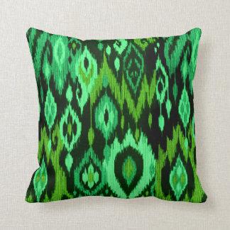 Tapicería tribal elegante de Ikat del verde Cojín Decorativo