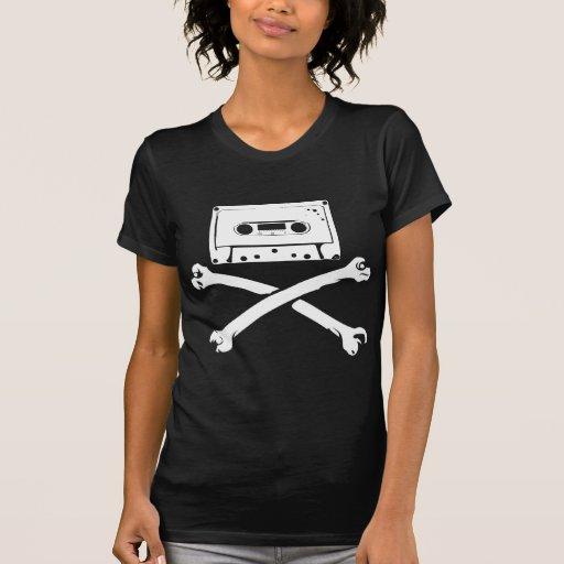 Taping casero de la piratería de la cinta y del pi camiseta
