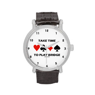 Tarde el tiempo para jugar el puente (cuatro relojes