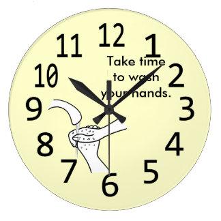 Tarde el tiempo para lavar su reloj de pared de